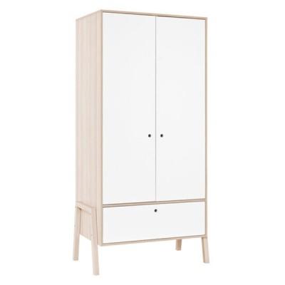 Choisissez une armoire fonctionnelle, avec portes de penderie et tiroir
