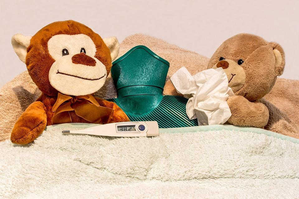 En cas de rhume, bébé doit rester plus souvent dans sa chambre et dormir pour récupérer!